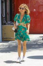 Giada De Laurentiis Is all smiles making men turn their heads while going to lunch in Beverly Hills