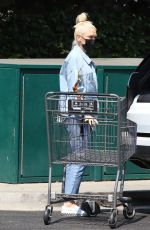 Gwen Stefani Seen getting groceries for the family at Bristol Farms in West Hollywood