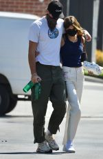Jacob Elordi & Kaia Gerber Pick up some breakfast to go before going to an