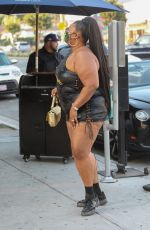 """Lizzo Cruises around in a convertible Bentley jamming out to her new song """"Rumors"""" on Rodeo Drive in Beverly Hills"""
