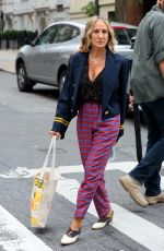 Sarah Jessica Parker Arriving to the set of