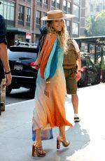 """Sarah Jessica Parker Films a scene with Sarita Choudhury at the """"And Just Like That"""" set in Soho"""