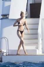 Sylvie Meis and her husband Niclas Castello enjoying a sun-soaked vacation with friends on a yacht in Saint-Tropez