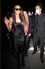 Irina Shayk Swarmed by fans while leaving the Versace Runway Show in Milan, Italy