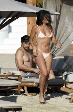Isabel Pakzad Relax at Branco beach on their sun-soaked holiday in Mykonos