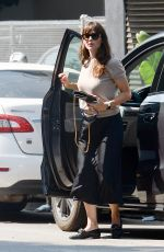 Jennifer Garner Heads to the Lighthouse art museum in Los Angeles