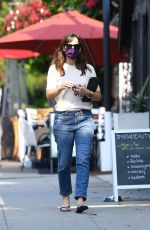 Jennifer Garner Spotted exiting a nail salon in Brentwood
