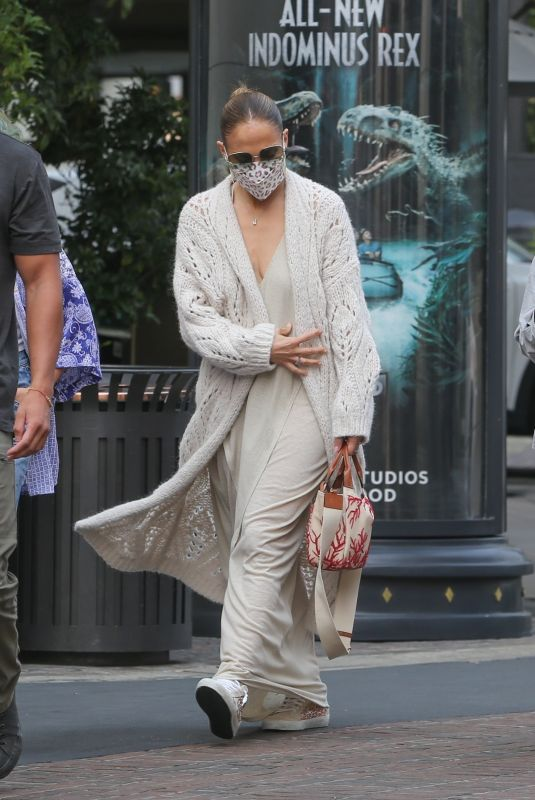 Jennifer Lopez Goes incognito in dark sunglasses and a mask as she takes her kids Emme and Max to The Grove in Los Angeles