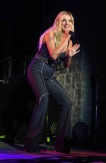 Kelsea Ballerini Opens for the Jonas Brothers at FirstBank Amphitheater in Franklin