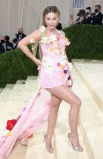 """Lili Reinhart At 2021 Met Gala """"In America: A Lexicon of Fashion"""" in New York"""