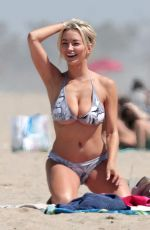 Lindsey Pelas Changed into a two piece bikini to catch some rays after doing a little yoga in Venice Beach