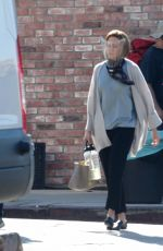 """Mandy Moore Is spotted on set for the final season of """"This Is Us"""" filming in Los Angeles"""