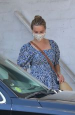 Reese Witherspoon Makes her departure after a visit to a skin care center in Beverly Hills