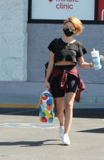 Sarah Hyland Out shopping in Los Angeles