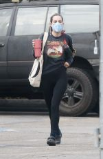 Scout Willis Flashes her toned waistline as she arrives for a gym session in Los Angeles