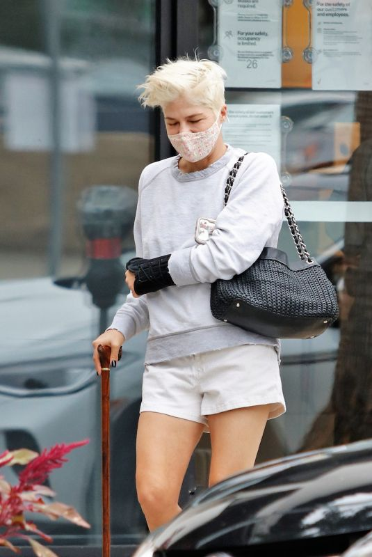 Selma Blair Heads out to run errands in Los Angeles