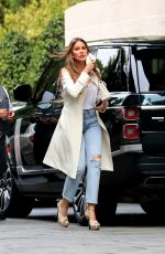 Sofia Vergara Picks the perfect fall coat for brunch at the Four Seasons