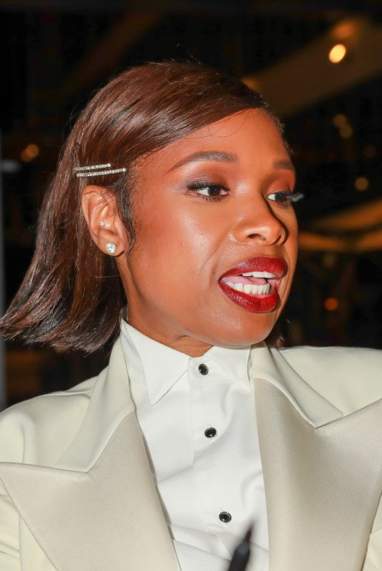 Jennifer Hudson Looks chic in a white pantsuit as she attends the Elle 2021 Woman in Hollywood Event in Los Angeles
