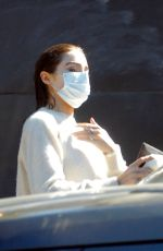 Olivia Culpo Was spotted leaving a hair salon with her hair still wet in West Hollywood