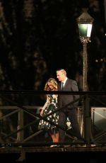 """Sarah Jessica Parker Shoots a scene from the """"Sex and the City"""" series on the Pont des Arts in Paris"""