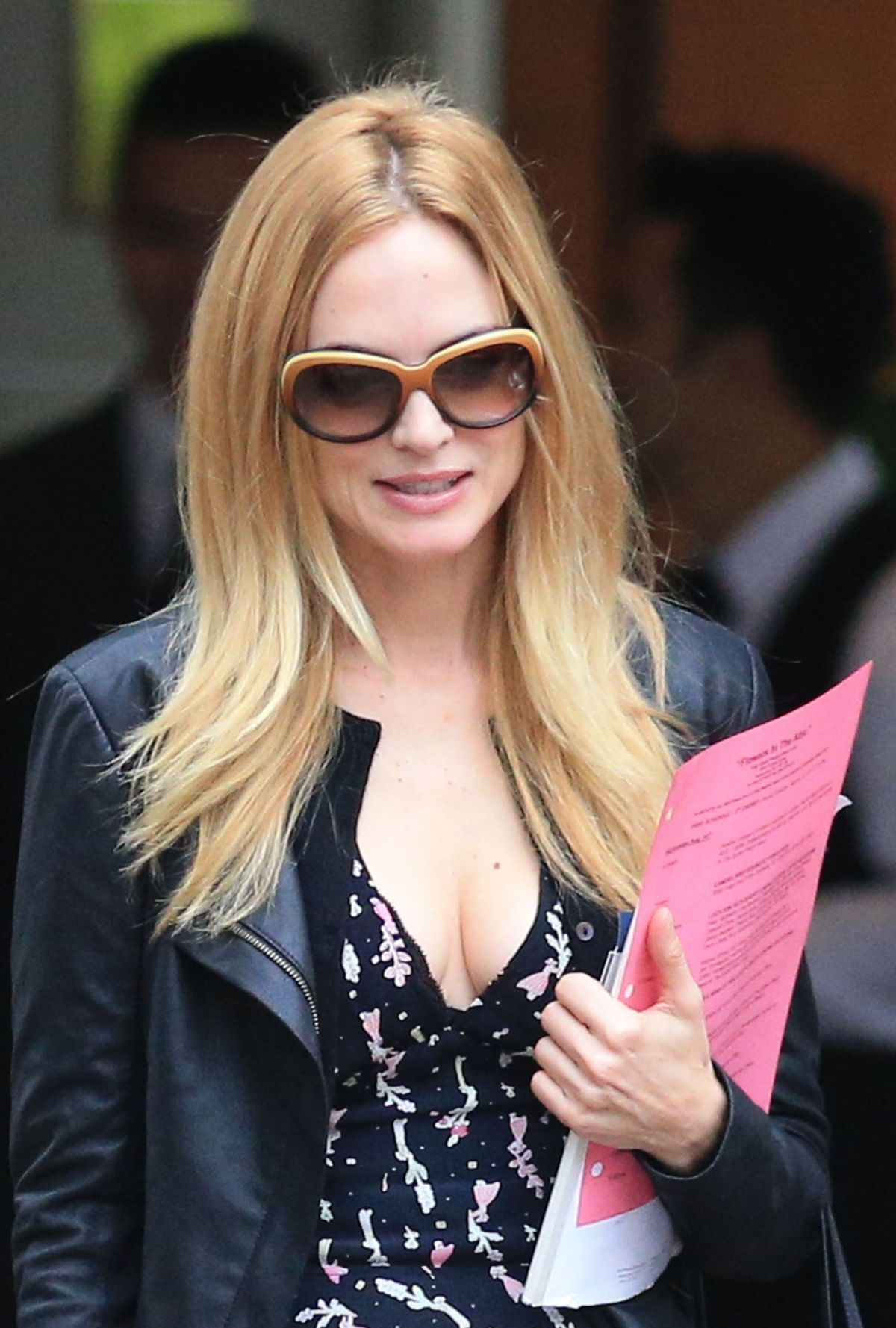 Heather Graham Hot heather graham leaving a hotel in vancouver - celebzz