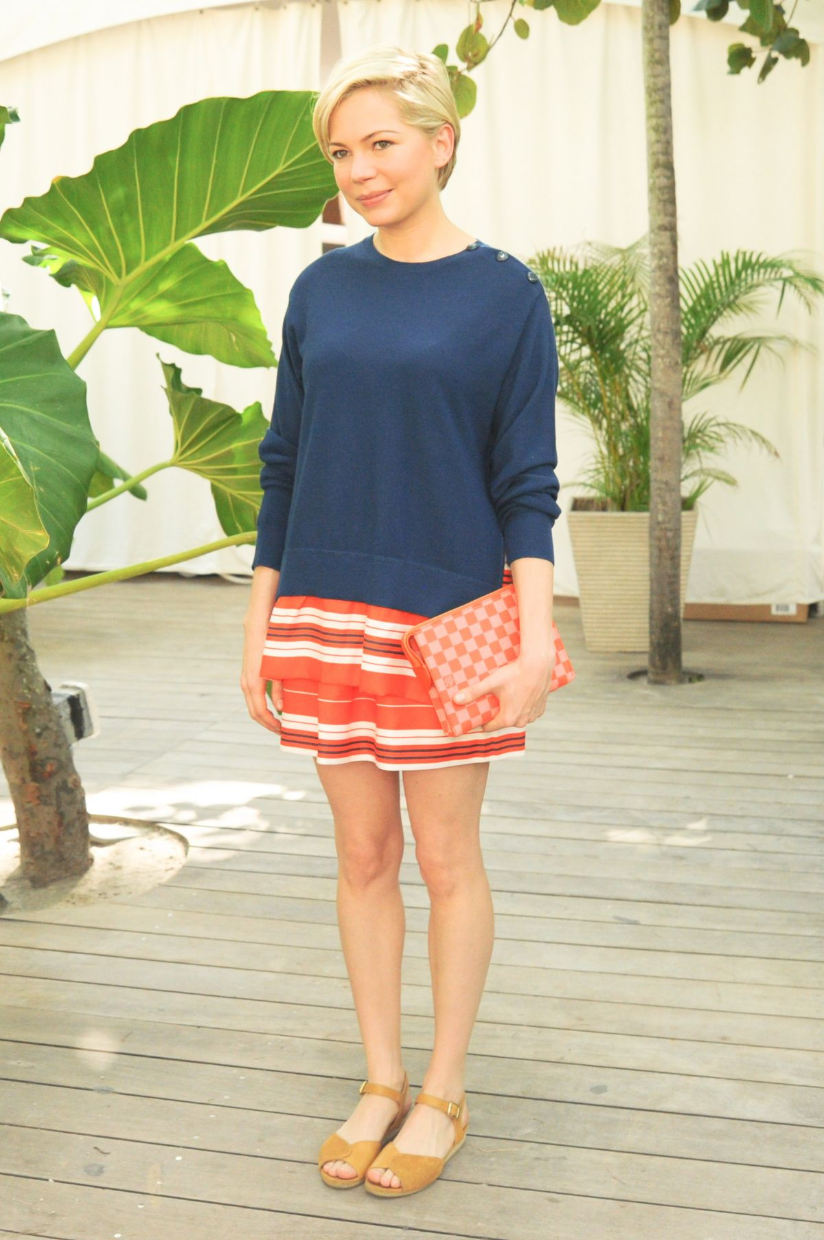 Michelle Williams At Louis Vuitton Beach Barbecue In Miami