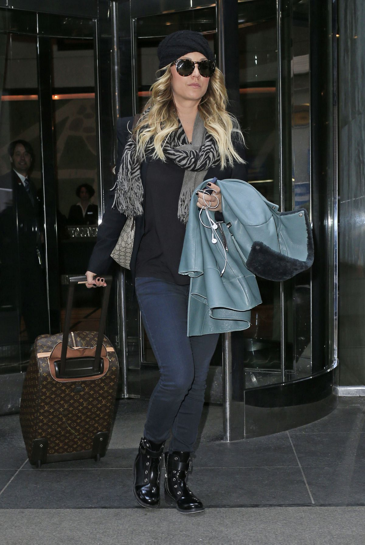 Kaley Cuoco Checking Out Of The London Hotel In New York City