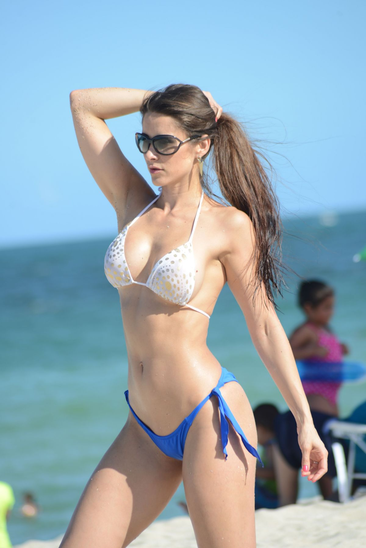 Anais Zanotti anais zanotti in bikini poses on the beach in miami - celebzz