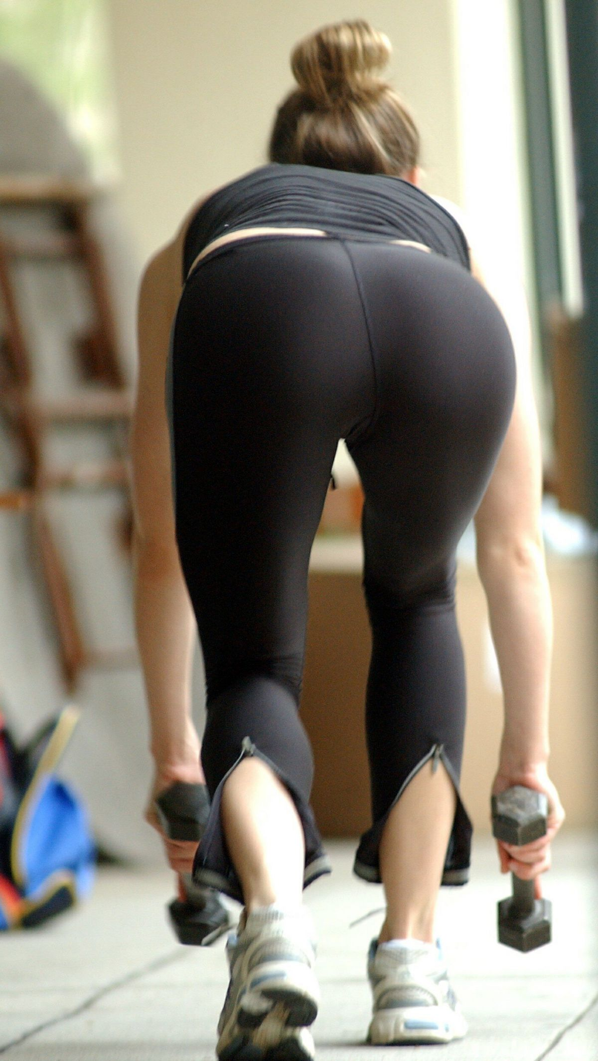 jessica-biel-tight-ass
