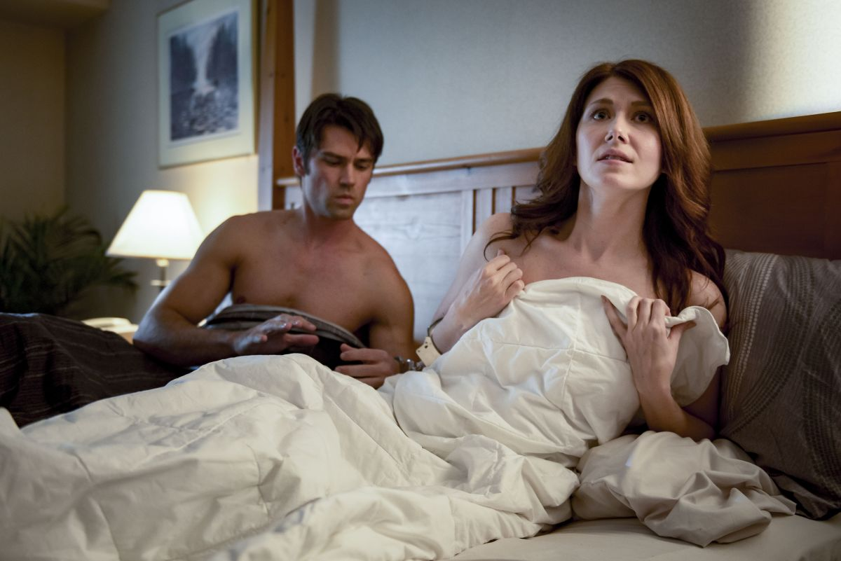 Jewel Staite Sexy Pics jewel staite at the wrong bed: naked pursuit (2017) stills