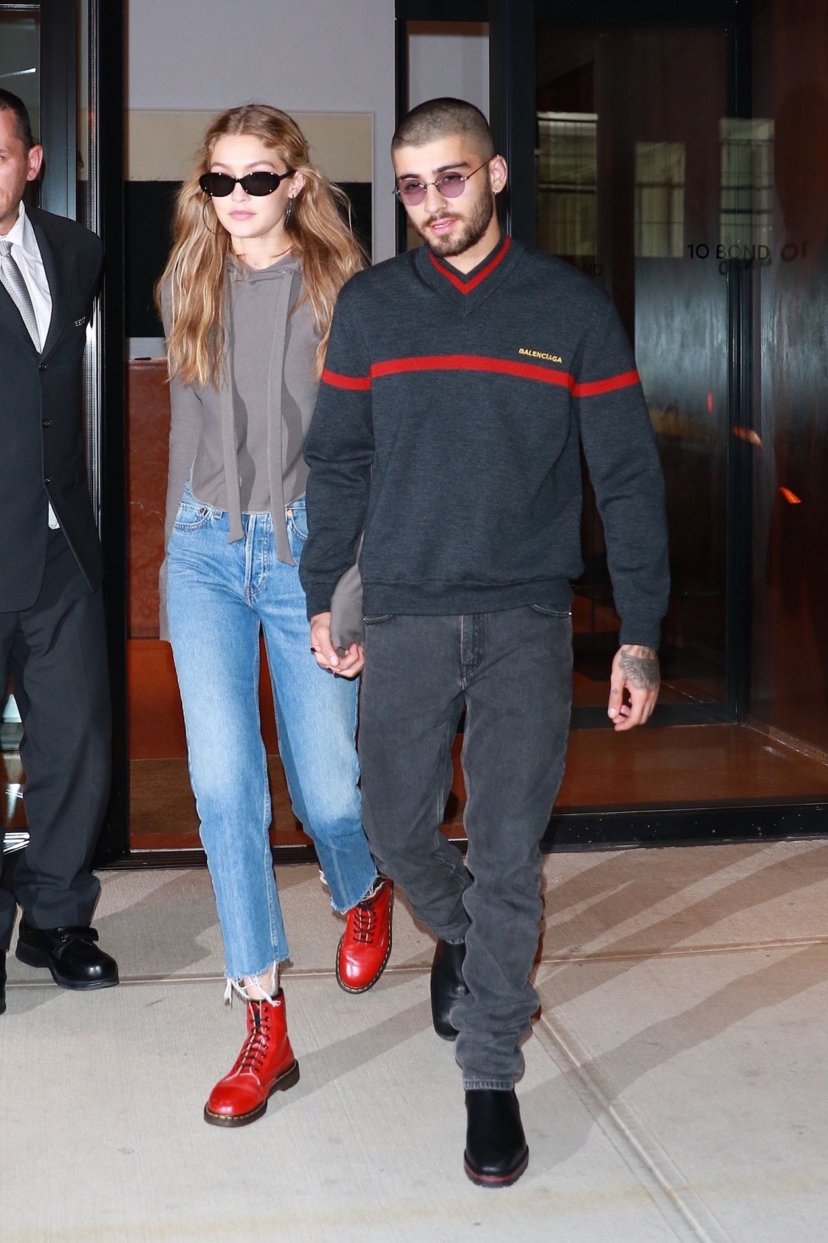 Gigi Hadid Seen leaving her apartment with her boyfriend ...