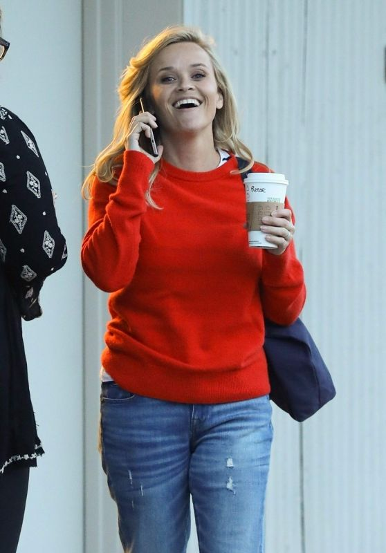 1eba436a1a Reese Witherspoon Leaves a fitting for a dress in West Hollywood